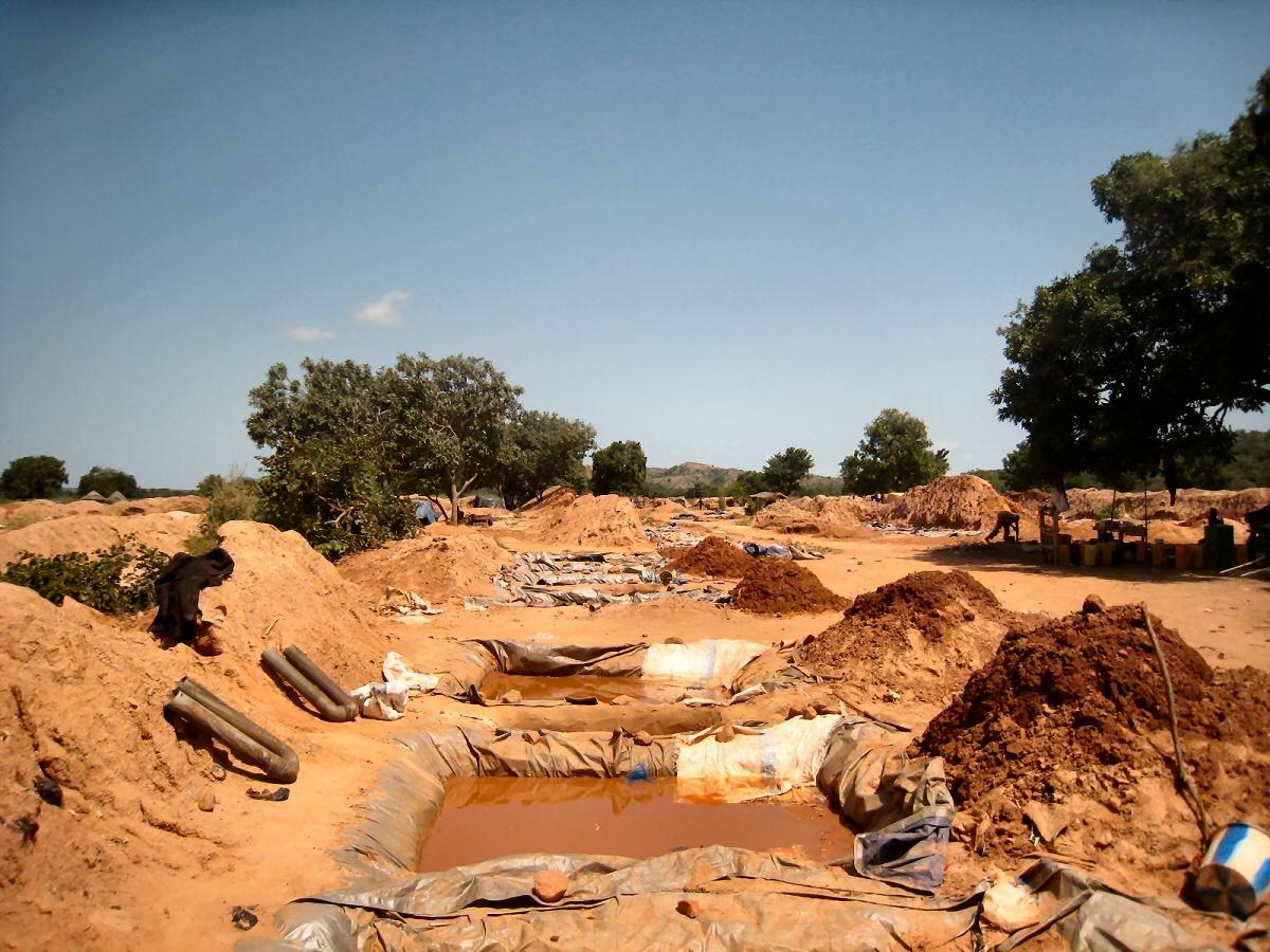 Site d'orpaillage près de Pama au Burkina Faso