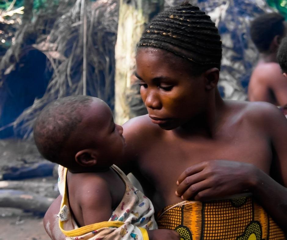 femme-enfant-baka-cameroun